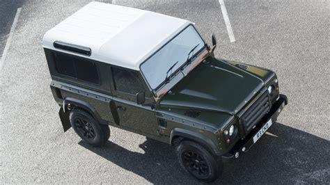 Kahn Design Land Rover Defender 2.2 Chelsea Wide Track