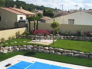 beautiful amenagement tour piscine pictures joshkrajcik With exceptional amenagement jardin autour piscine 5 une cascade dans votre piscine