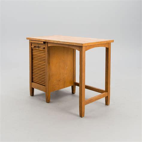 ben skrivbord elstativ fr hj och snkbart skrivbord