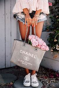 Chanel Handtasche Klassiker : perfect beach bag chanel canvas tote bag mode wohnklamotte mode chanel und schuhe ~ Eleganceandgraceweddings.com Haus und Dekorationen