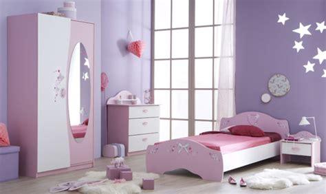 accessoire chambre fille lit papillon blanc