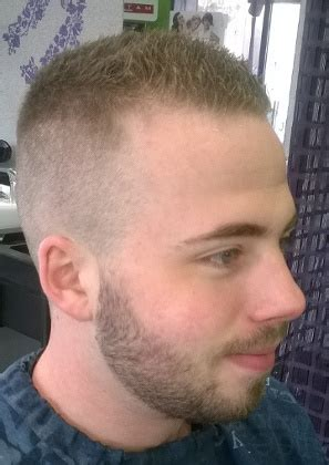 coiffure courte homme coupe coiffures homme coupes classiques coiffure classiques photos plus 2 coiff