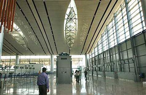 hyderabad airport visa  arrival  passengers rediff