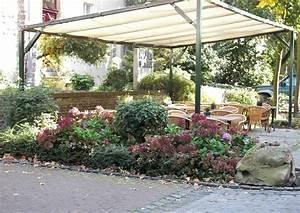 Plane Für Terrassenüberdachung : terrassen berdachung provisorisch mit einer zeltplane ~ Frokenaadalensverden.com Haus und Dekorationen