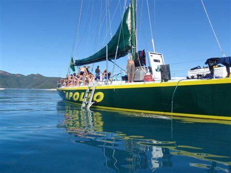 Sailing Airlie Beach Whitsundays by Apollo Whitsundays Sailing Adventure Rtw Backpackers