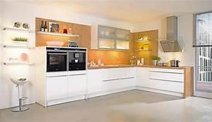 Trend einbaukuche almira weiss hochglanz kuchen quelle for Küchen hochglanz