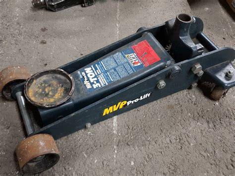mvp pro lift floor no idea what happened to handle but we don t it