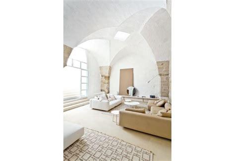divani e tappeti relax con divani e tavolini di zanotta tappeti di karpeta