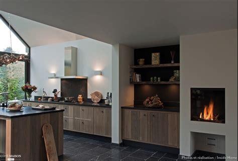 maison et cuisine une cuisine ouverte et chaleureuse inside home concept