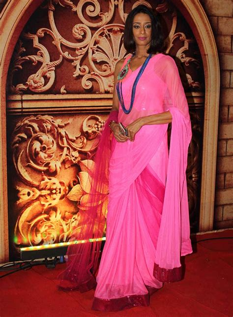 Pix Sargun Mehta Monica Bedi At Zee Rishtey Awards