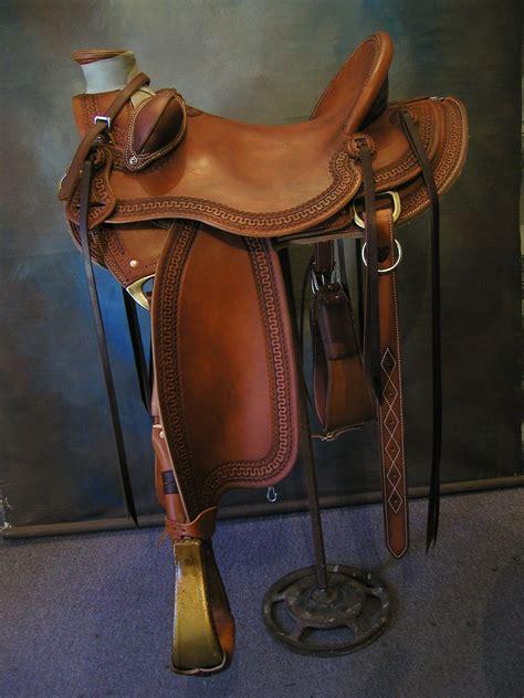 saddles buckaroo working serpentine border leather saddle custom