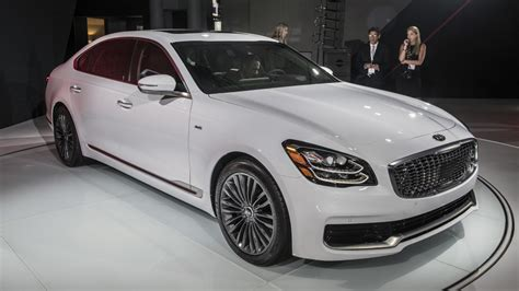 2019 Kia K900 Flagship Sedan Is Presented At The New York