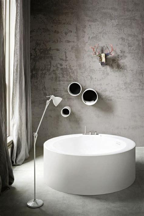 Freistehende Badewanne Die Moderne Badeinrichtungfreistehende Badewanne Weiss by Freistehende Badewanne Im Modernen Badezimmer