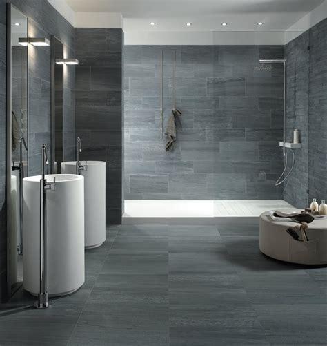 Kleines Badezimmer Dunkle Fliesen by Beige Fliesen Bad Ziakia Liebenswert Badezimmer Fliesen