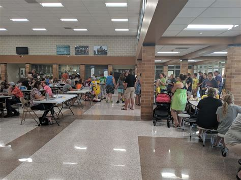 families pack knoxville high school annual school bash