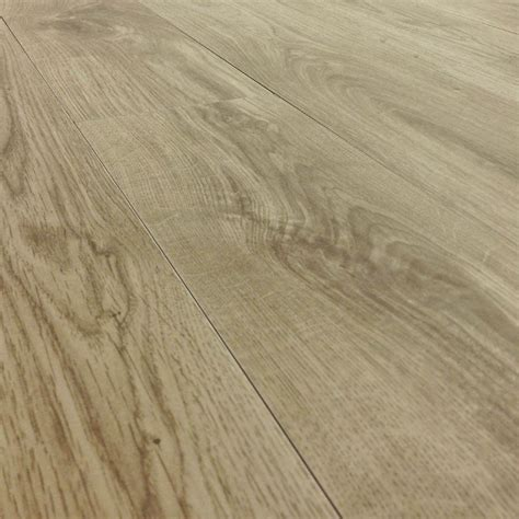 wood looking ceramic tile wood look porcelain tile crowdbuild for