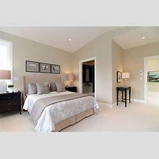 Master Bedroom Warm Neutral  欧式简约阁楼卧室装修效果图  Bed Room