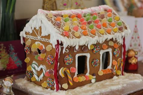 how to build a gingerbread house green gourmet giraffe how to make a gingerbread house