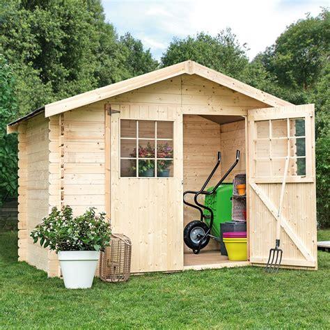 amenager un abri de jardin abri de jardin en bois 6 75 m 178 ep 28 mm flodova plantes et jardins