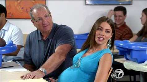 ed o neill sofia vergara photos photos modern family season 4 episode 2 zimbio