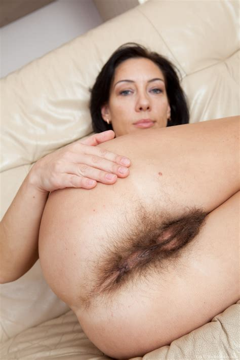 Wearehairy Eva Hairy Girl Eva Spreads Her All Natural Muff