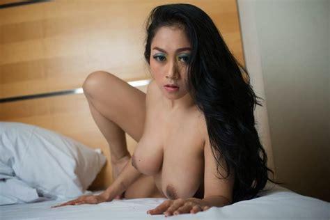 porn star indonesia sarah ardhelia naked photos