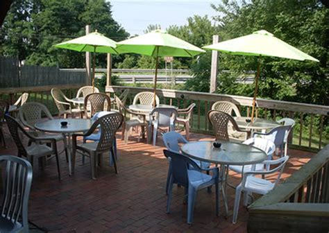 the deck bar grill in portage lakes ohio across from the turkeyfoot links golf course