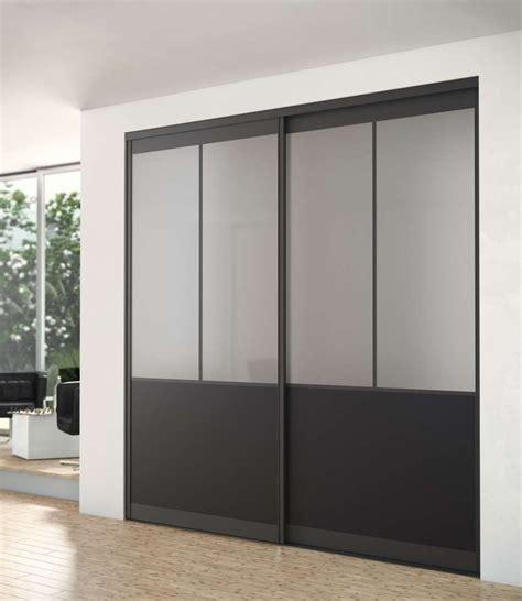 cuisine blanc et noir dressing porte placard sogal modèle de porte de placard quot modèle atelier quot