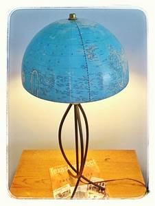 Lampe Globe Terrestre : relooking de globe terrestre bricobistro ~ Teatrodelosmanantiales.com Idées de Décoration
