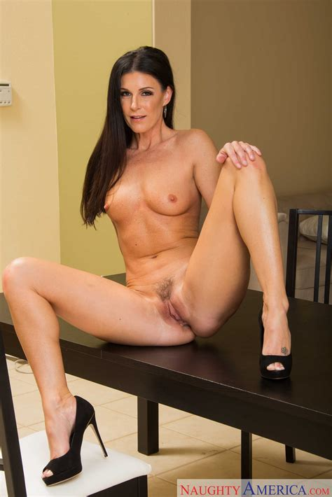 Mature Brunette Got Fucked In The Kitchen Photos India Summer Milf Fox