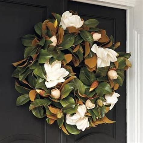 southern style holidays  beautiful magnolia decorations