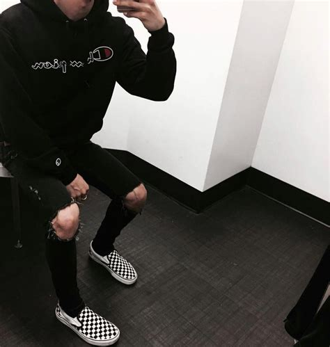 Best 25+ Streetwear men ideas on Pinterest | Outfit grid Jogger outfits mens and Off white clothing