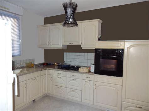cuisine beige et marron peinture salle a manger gris et blanc