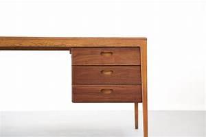 Bureau Design Scandinave : grand bureau nordique en teck danish desk danke galerie ~ Teatrodelosmanantiales.com Idées de Décoration