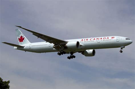bureau air canada montreal air canada c fivq boeing b777 333 er 31 08 2011 yul