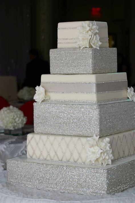 bling wedding cakes what a gorgeous wedding cake bling wedding ideas