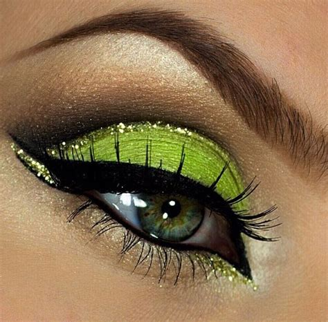le si鑒e de gorgeous in lime green eyeshadow with black winged eyeliner lime green green and gold glitter and beautiful eye makeup
