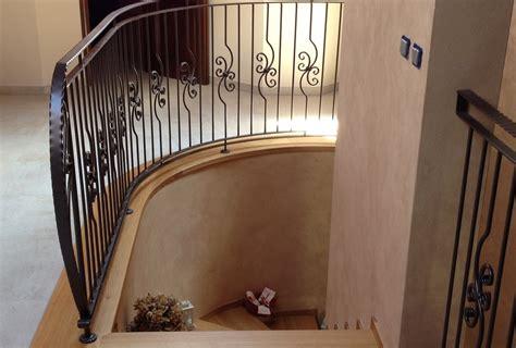 ringhiera scala ferro battuto cool scale per interni in ferro battuto e legno gt23