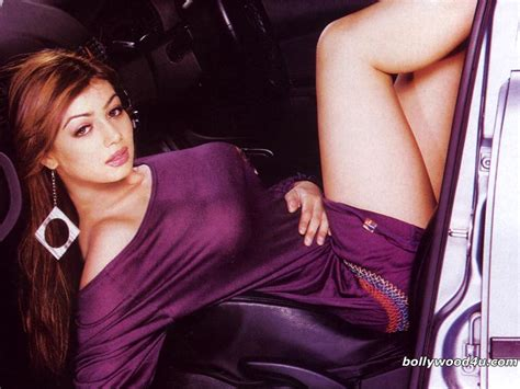 Ayesha Takia Hot Actress In Her Bedroom Photos Page 3
