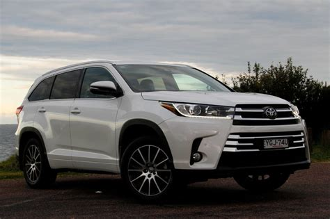 The toyota kluger, known as the toyota highlander in north america, is a crossover suv assembled by toyota under the toyota brand name in its kyūshū, japan assembly plant and its ikeda, osaka, japan assembly plant during 2008 and present. Toyota Kluger Grande AWD 2017 review   CarsGuide