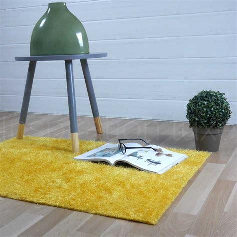 tapis jaune de salle de bain l 233 ger sur mesure