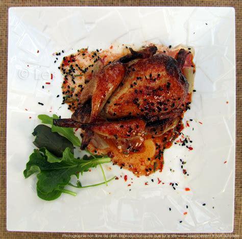 cuisiner une caille cailles rôties au four marinade au miel épices tandoori