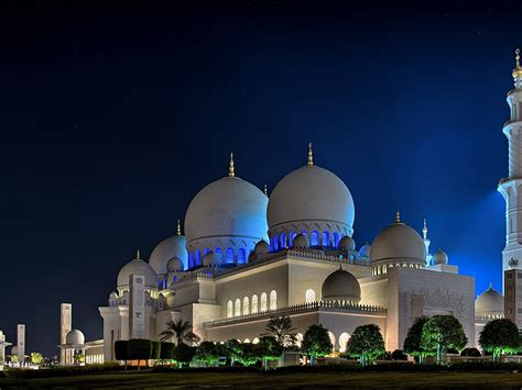 sheikh zayed grand mosque  centre abu dhabi night