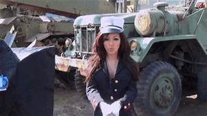 Melanie Iglesias Salutes the Troops - Washington Free Beacon