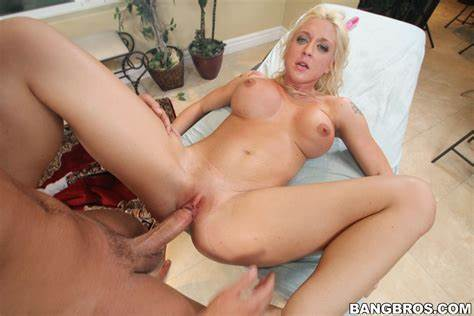 Leya Falcon In Banged The Kinks Out