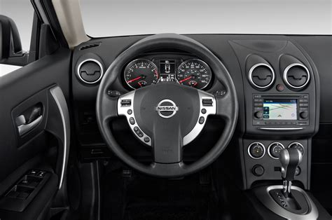 nissan rogue interior 2013 nissan rogue reviews and rating motor trend