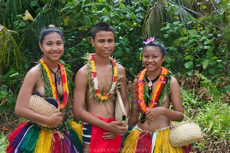 Marshall Islands Native Girls