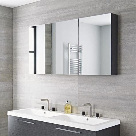 Badezimmer Spiegelschrank Grau by Badezimmer Spiegelschrank Dreiteilig Grau