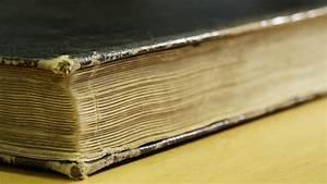 Reading Through Closed Books
