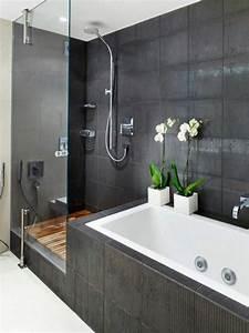 Badewanne Mit Dusche Kombiniert : moderne badgestaltung mit einer badewanne dusche wand aus glas und zwei blumen 77 badezimmer ~ Sanjose-hotels-ca.com Haus und Dekorationen